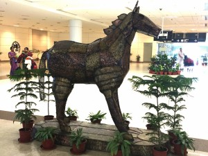Whew ... finally made it Chennai! I just had to take a photo of this horse :-)